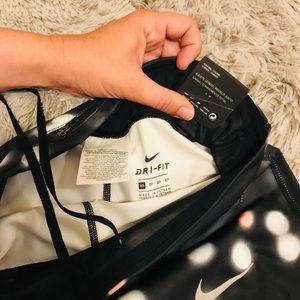 Nike Pants - 🖤{N i k e}PRO Full-Length Leggings🖤
